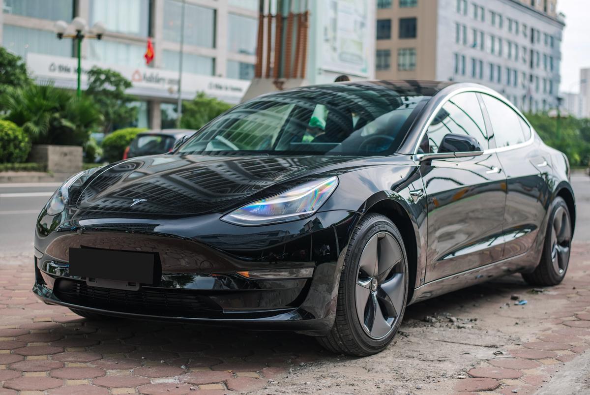 Tesla Model 3 đi được 505km cho bản Long Range chỉ trong một lần sạc.