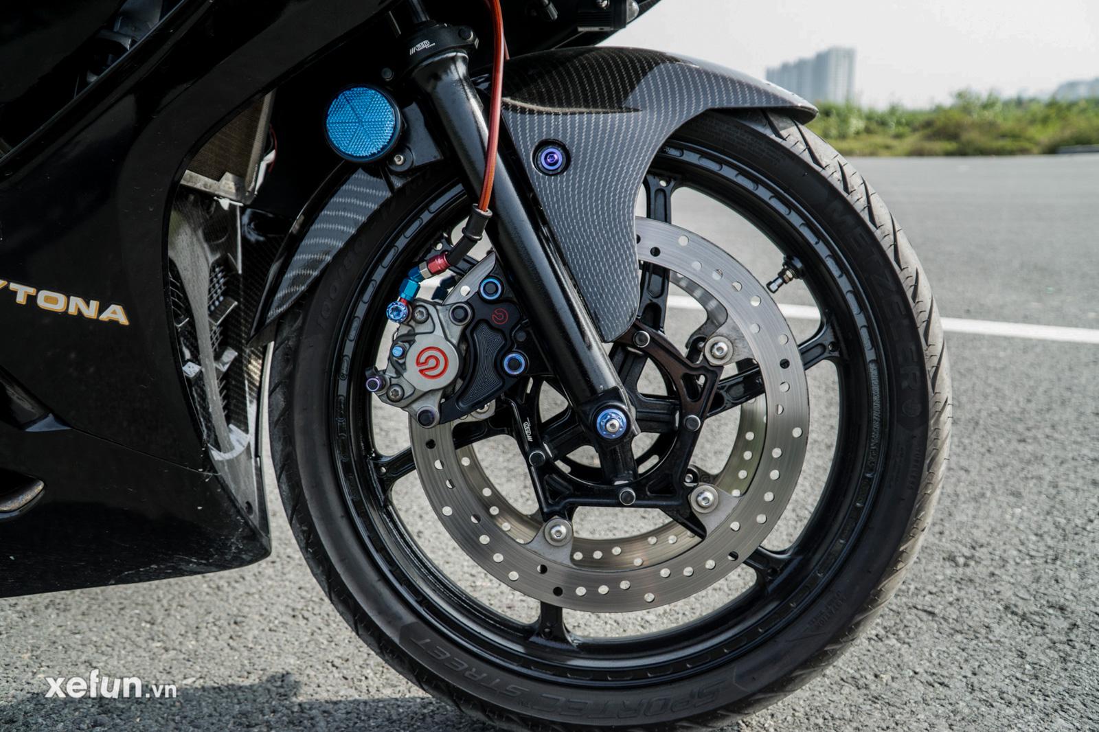 Suzuki GSX R150 độ pô và dàn áo từ Kỳ Chế Mủ cạnh tranh Yamaha R15 và Honda CBR150R 2021 của anh Nguyễn Anh Thọ trên Xefun
