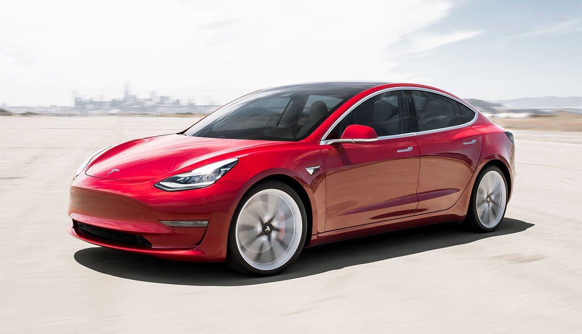 Người tiêu dùng ô tô điện bày tỏ ý kiến hạng hài lòng cao nhất với các mẫu xe như Volkswagen ID.3 (100%) Tesla Model 3 và KIA e-Niro (96%).