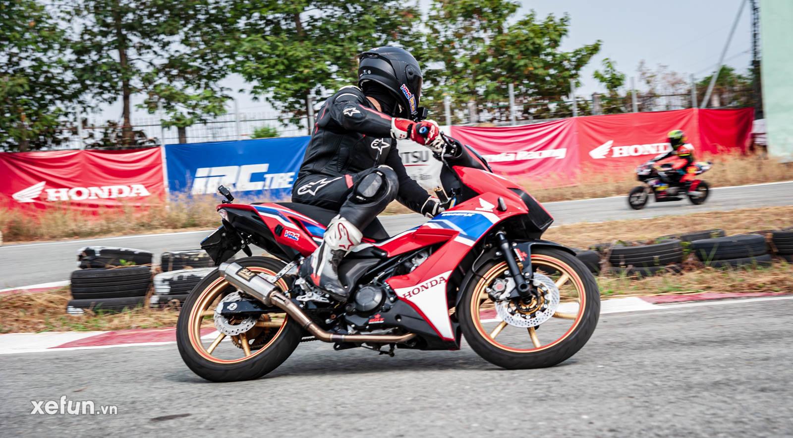 Bé Su 9 tuổi của Gia Cát Việt Tuấn cùng HLV Quân Trần Racing trên Xefun (1)6475