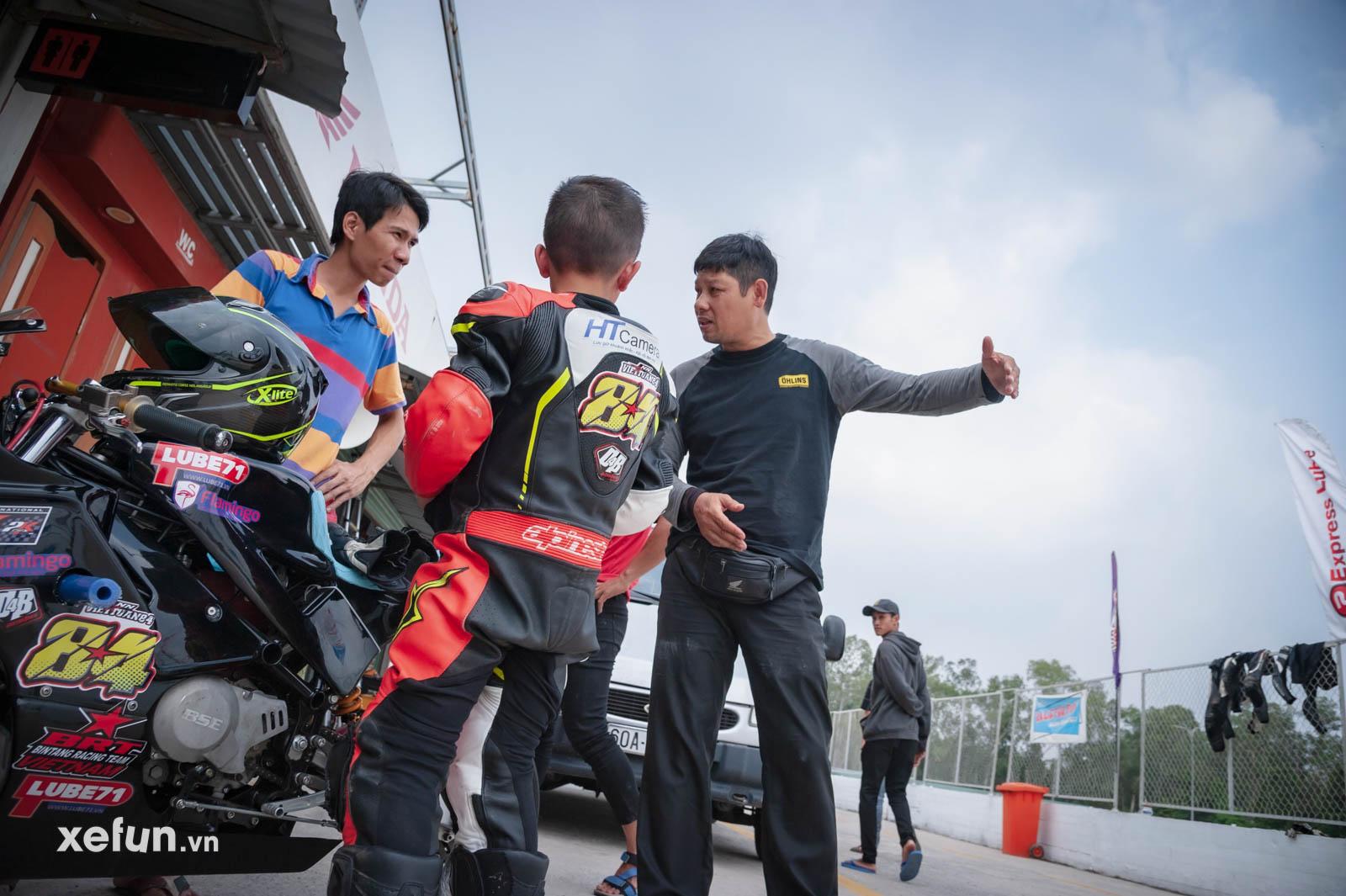 Bé Su 9 tuổi của Gia Cát Việt Tuấn cùng HLV Quân Trần Racing trên Xefun (1)47576