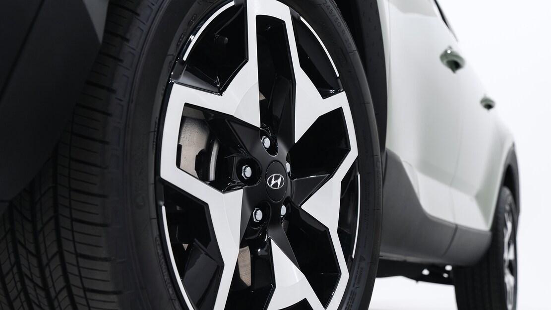 Hyundai ra mắt xe bán tải đầu tiên mang tên Santa Cruz giá lăn bánh mới nhất - 3654675