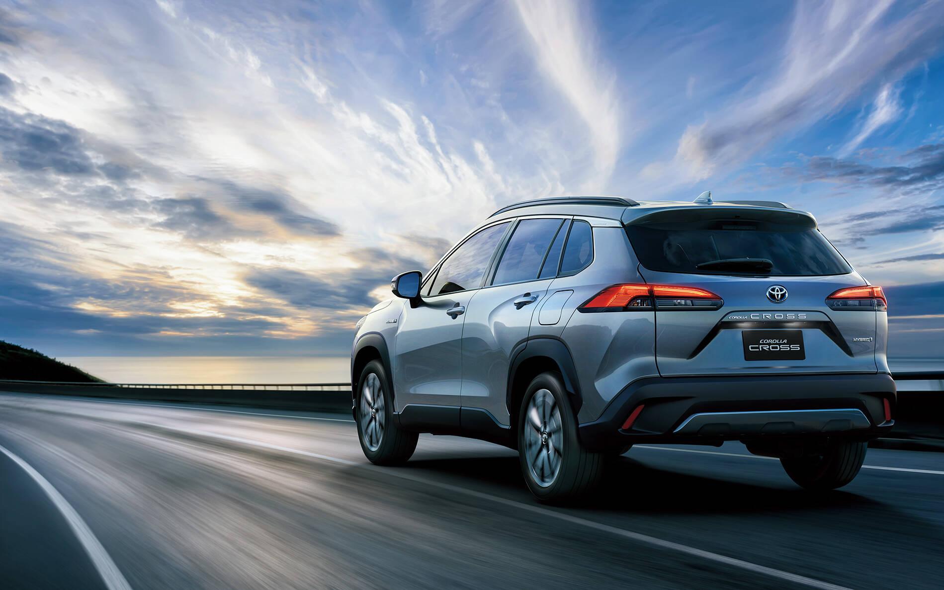 Toyota Corolla Cross 2022 không hé lộ bất cứ thông tin gì về sản phẩm mới dành cho thị trường Mỹ, ngoài ngày ra mắt kèm video ngắn cho thấy một số đường nét của chiếc crossover.