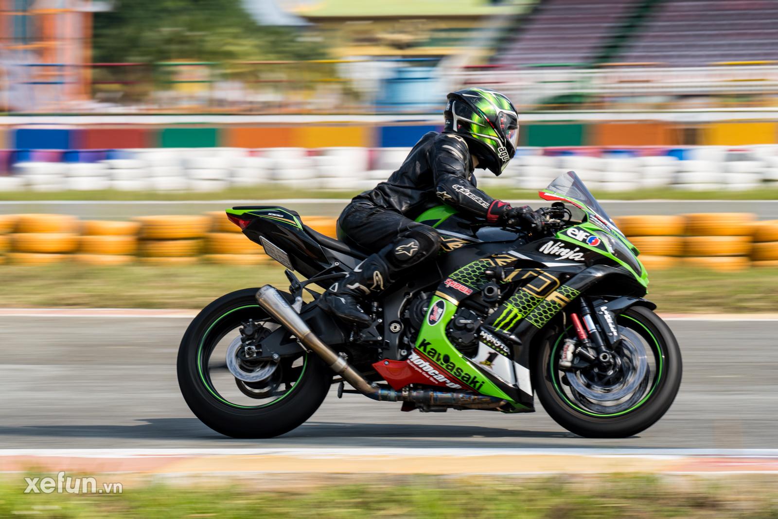 Các tay đua nài xe phân khối lớn PKL BMW S1000RR Ducati Monster Kawasaki Ninja ZX10R tại Trường đua Đại Nam trên Xefun (138)36576