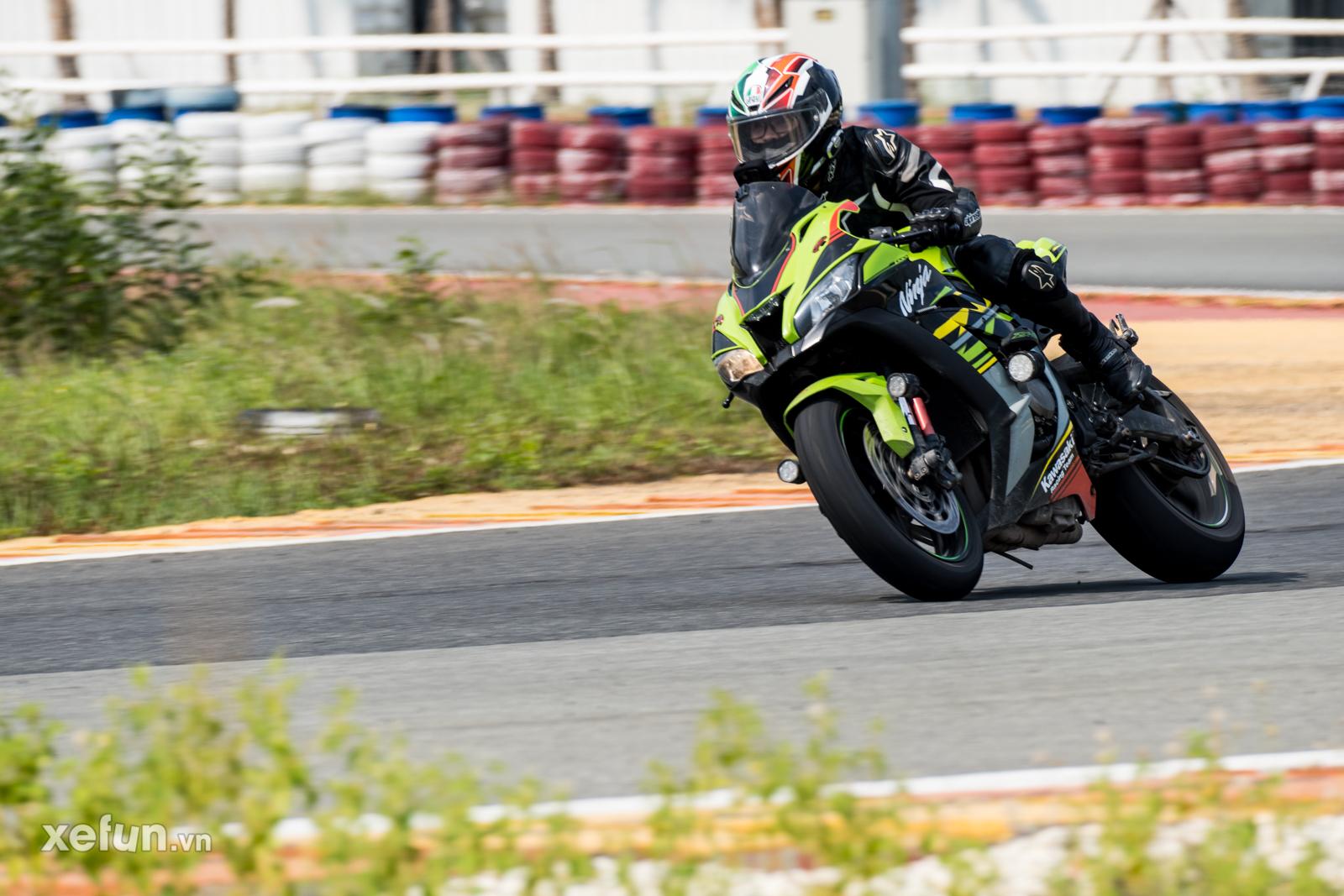 Các tay đua nài xe phân khối lớn PKL BMW S1000RR Ducati Monster Kawasaki Ninja ZX10R tại Trường đua Đại Nam trên Xefun (1)t45y5
