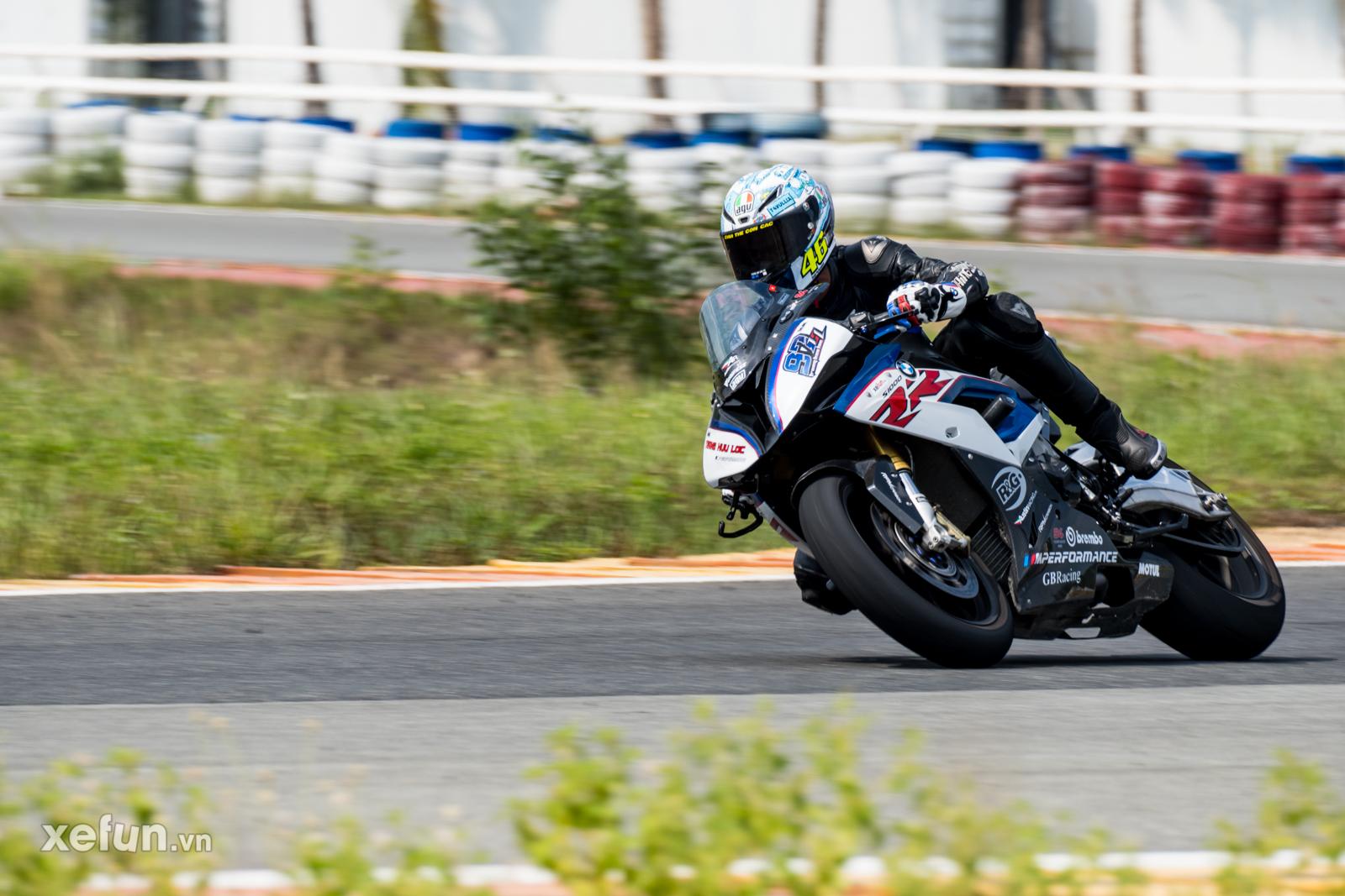 Các tay đua nài xe phân khối lớn PKL BMW S1000RR Ducati Monster Kawasaki Ninja ZX10R tại Trường đua Đại Nam trên Xefun (1)qe23tr4