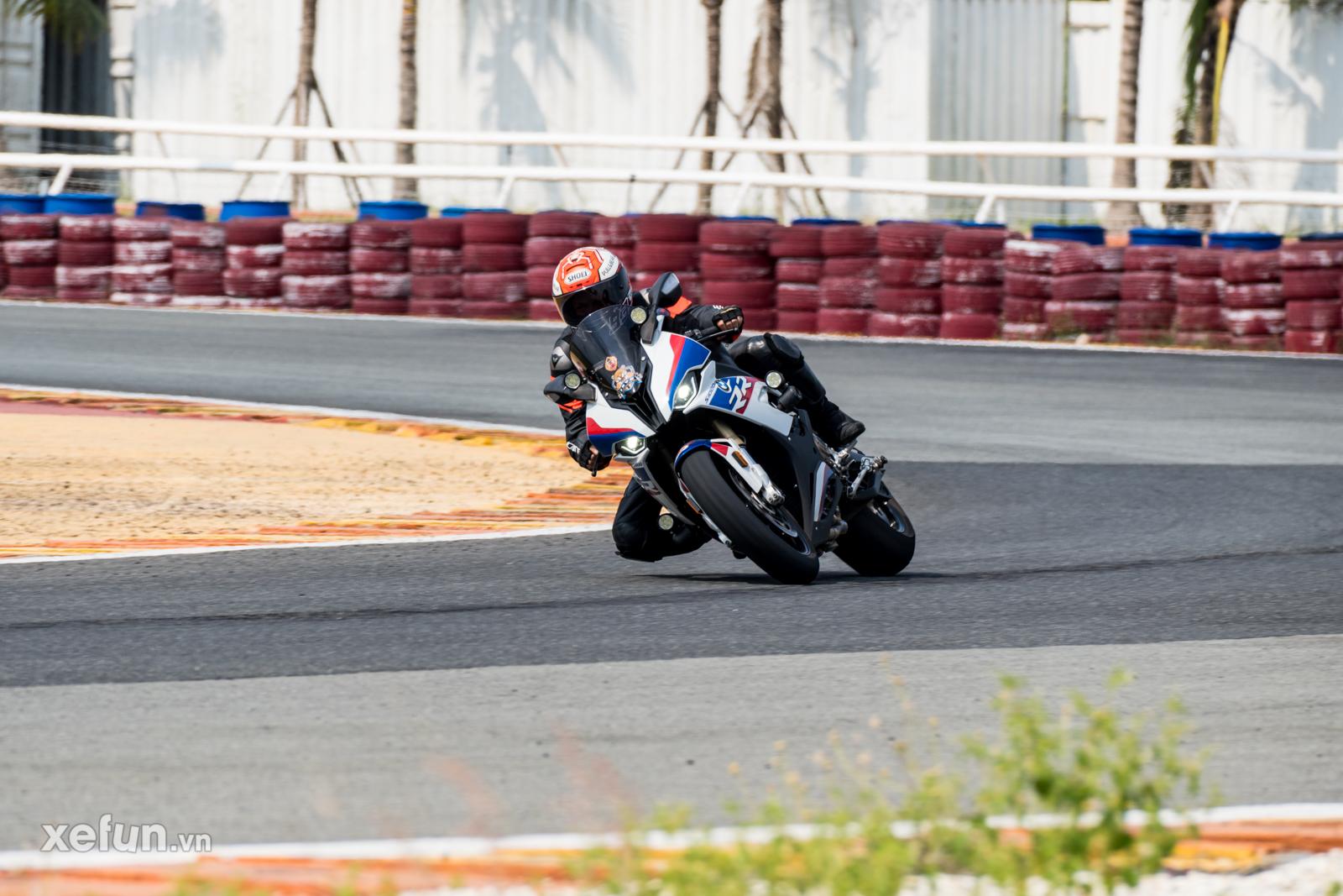 Các tay đua nài xe phân khối lớn PKL BMW S1000RR Ducati Monster Kawasaki Ninja ZX10R tại Trường đua Đại Nam trên Xefun (1)3r3t45