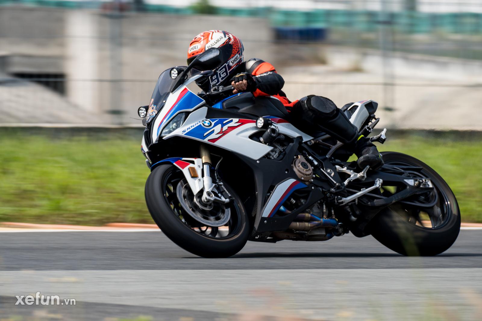 Các tay đua nài xe phân khối lớn PKL BMW S1000RR Ducati Monster Kawasaki Ninja ZX10R tại Trường đua Đại Nam trên Xefun (1)ưtet