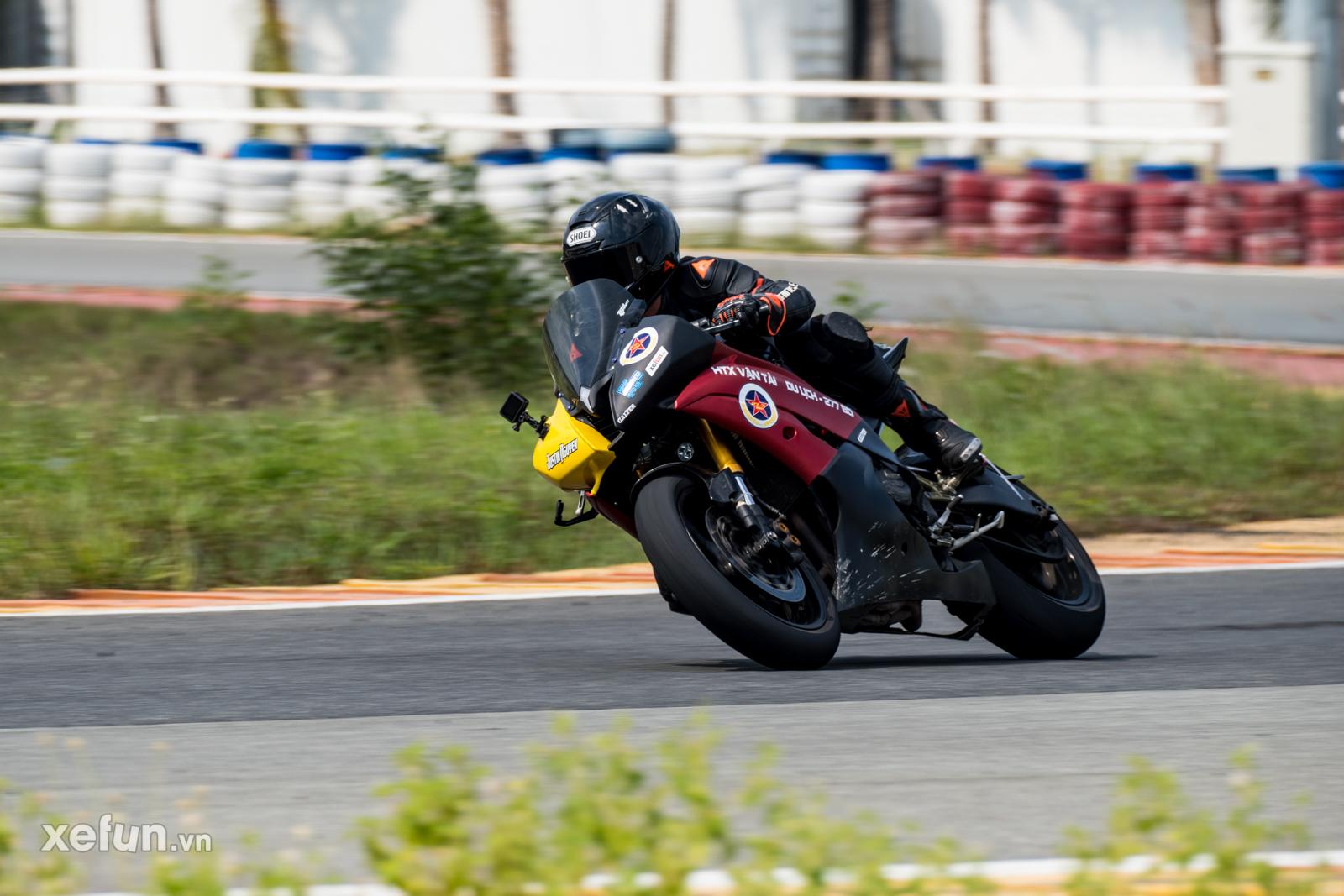 Các tay đua nài xe phân khối lớn PKL BMW S1000RR Ducati Monster Kawasaki Ninja ZX10R tại Trường đua Đại Nam trên Xefun (1)r5y