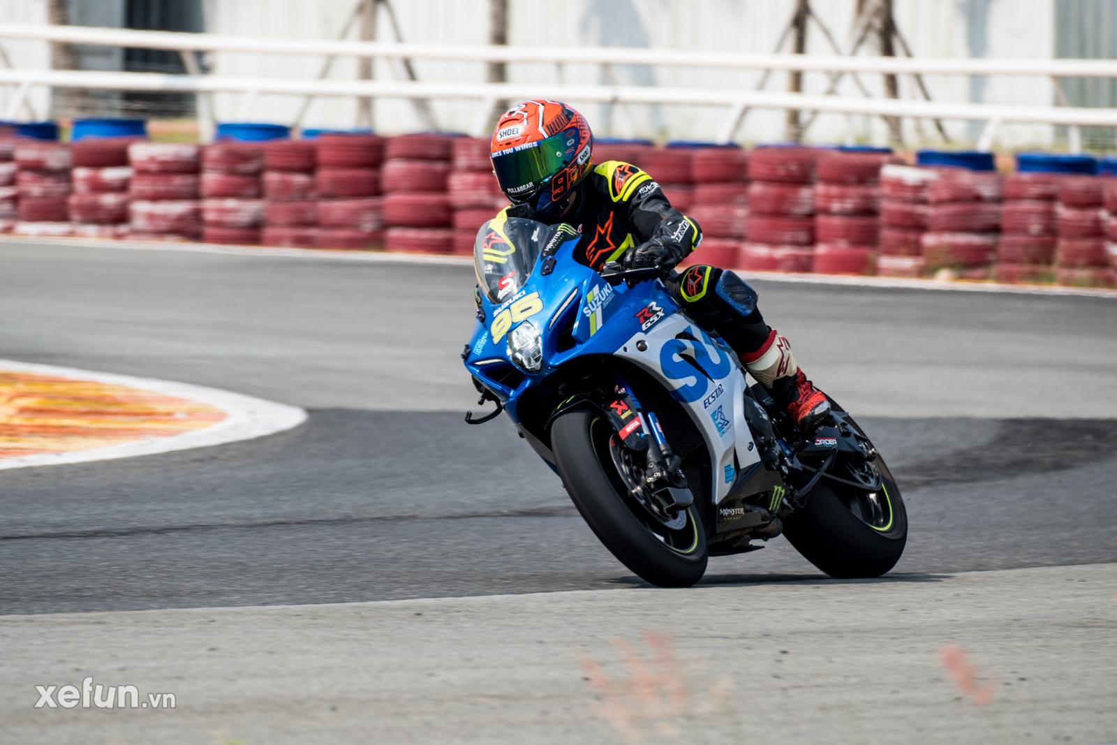 Các tay đua nài xe phân khối lớn PKL BMW S1000RR Ducati Monster Kawasaki Ninja ZX10R tại Trường đua Đại Nam trên Xefun (1)35465765