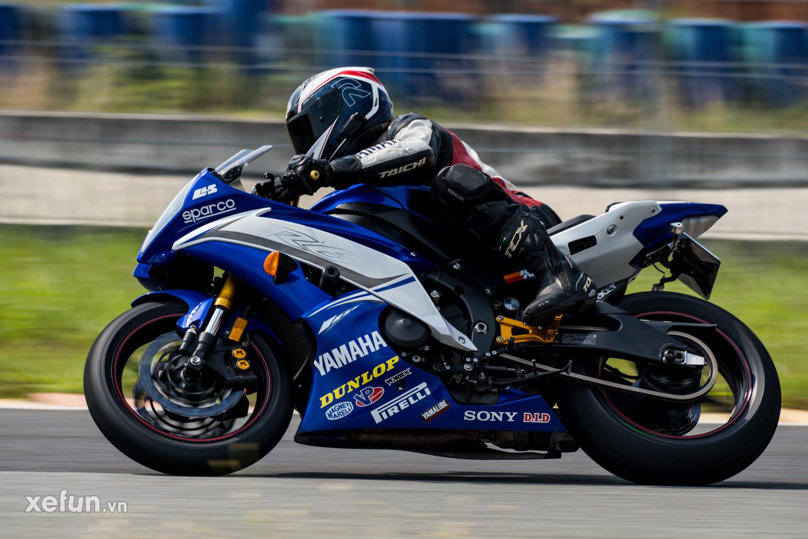 Các tay đua nài xe phân khối lớn PKL BMW S1000RR Ducati Monster Kawasaki Ninja ZX10R tại Trường đua Đại Nam trên Xefun (64)235353