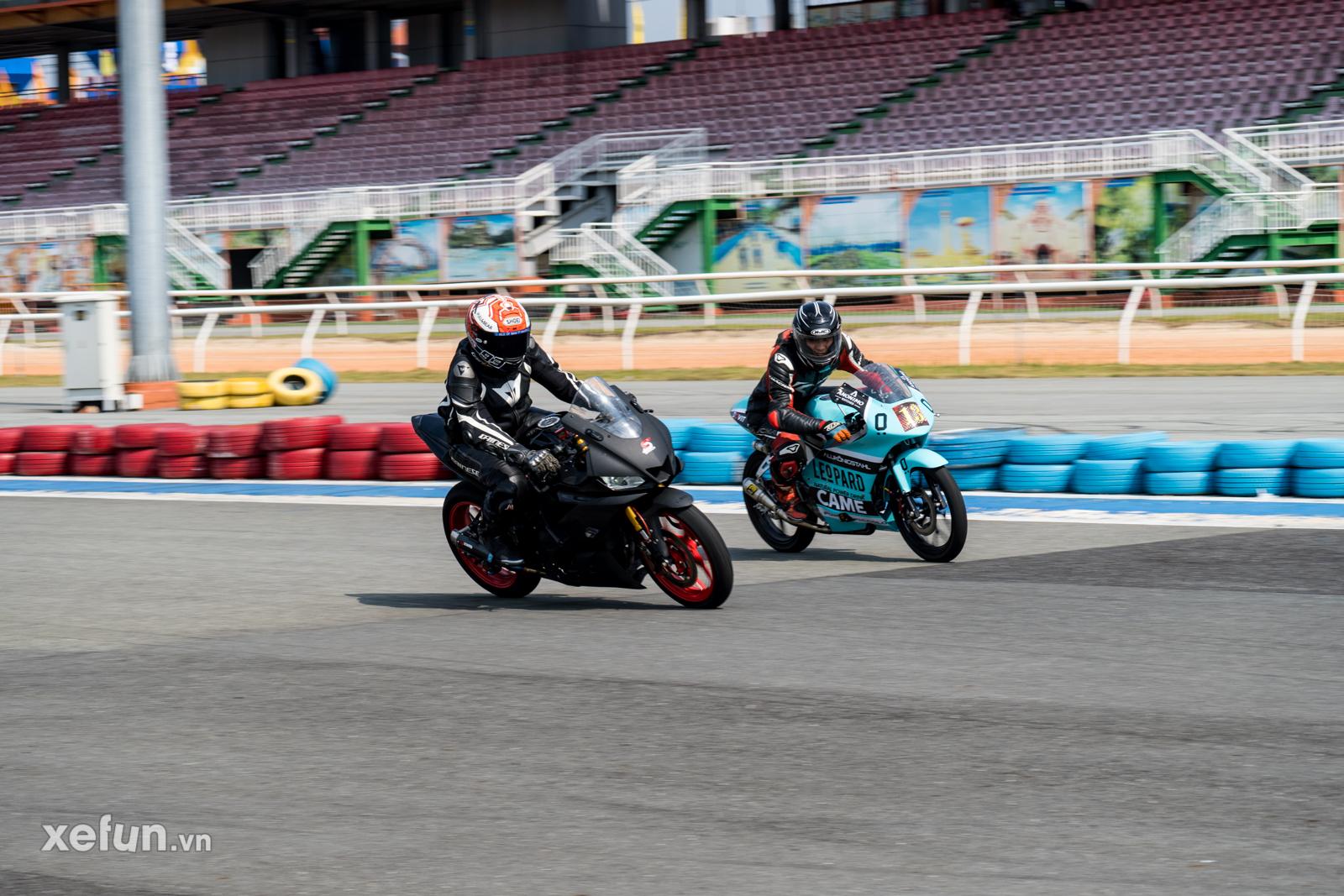 Các tay đua nài xe phân khối lớn PKL BMW S1000RR Ducati Monster Kawasaki Ninja ZX10R tại Trường đua Đại Nam trên Xefun (55)3646