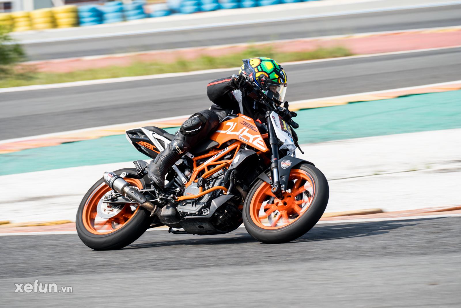 Các tay đua nài xe phân khối lớn PKL BMW S1000RR Ducati Monster Kawasaki Ninja ZX10R tại Trường đua Đại Nam trên Xefun (112)t4y5