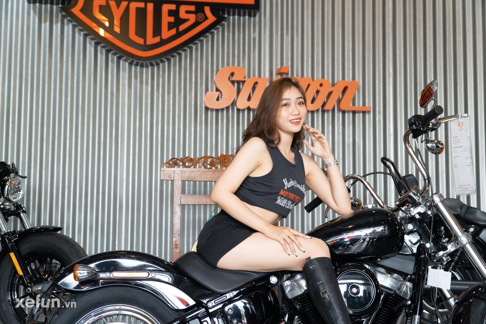 Trong buổi lễ ra mắt lần này, còn có sự góp mặt của 3 khách hàng đầu tiên tại Việt Nam đã chính thức làm lễ nhận xe Pan America 1250 Special 2021, một trong số đó chính là biker đã mua chiếc Harley Davidson CVO Road Glide phiên bản giới hạn hồi năm ngoái.
