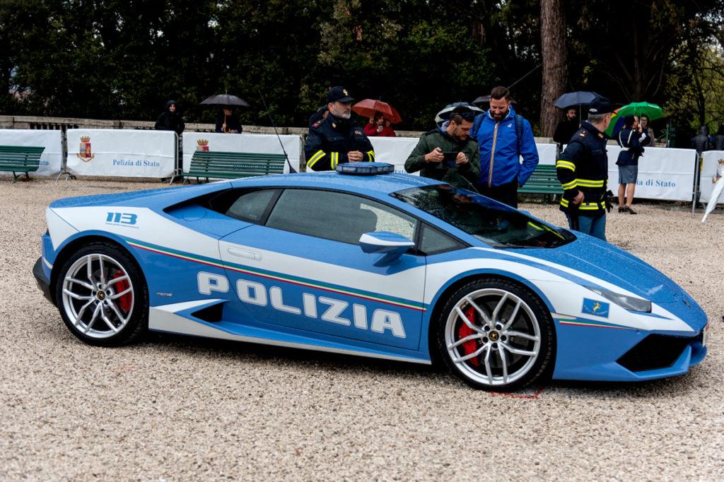Cảnh sát Ý hiện được trang bị một siêu xe Gallardo và một siêu xe Lamborghini Huracan