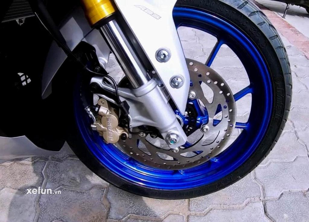 Cận cảnh hình ảnh Yamaha R15 V4 thực tế trên tay Xefun 4546