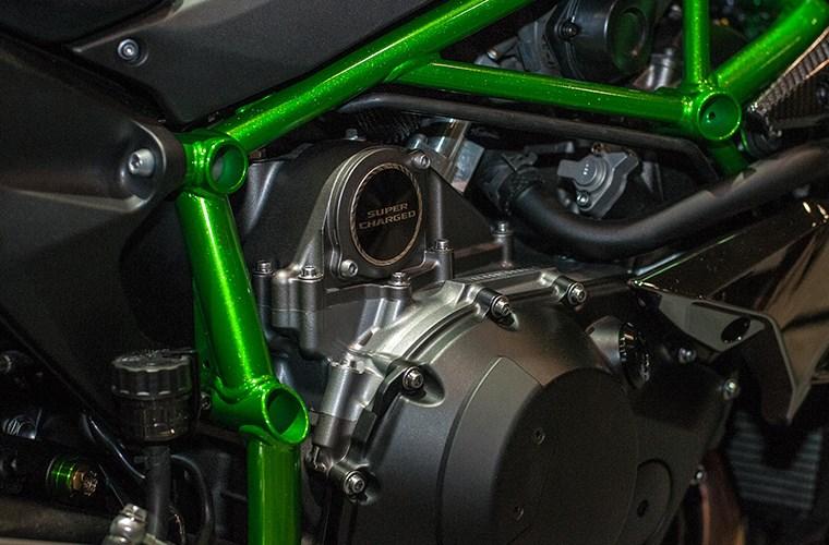 Kawasaki đang trát triển mô hình 2 động cơ điện hybrid và đốt trong siêu tăng áp super charge như trên ô tô 243
